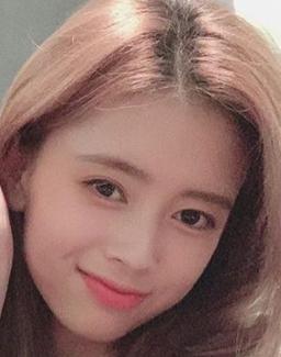 リマの髪色