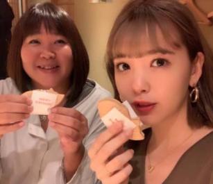 藤田ニコルと母