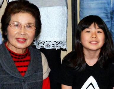 岡本碧優と祖母