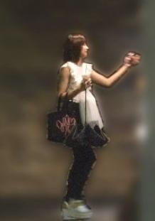星名美怜が阿部顕嵐の家に行くところを文春に撮られていた