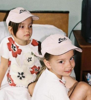 アベリナ姉妹幼少期