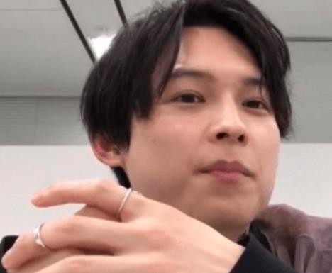 松村北斗の指輪画像