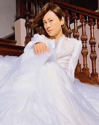 氷川きよしのウェディングドレス