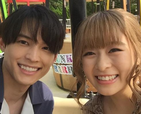 松村北斗さんと森七菜さん
